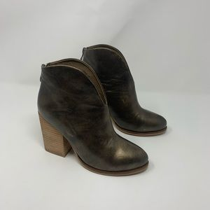 Antelope 898 Hi Cut Metallic Leather Ankle Boots